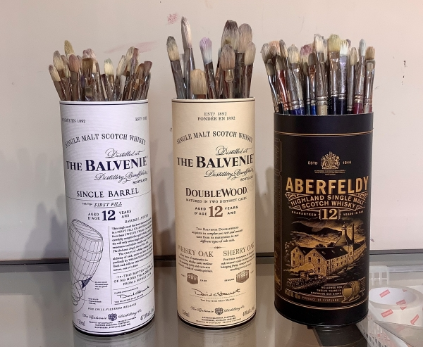 STORAGE OF MY OLD BRUSHES WITH MY FAVOURITE DRAMS!
